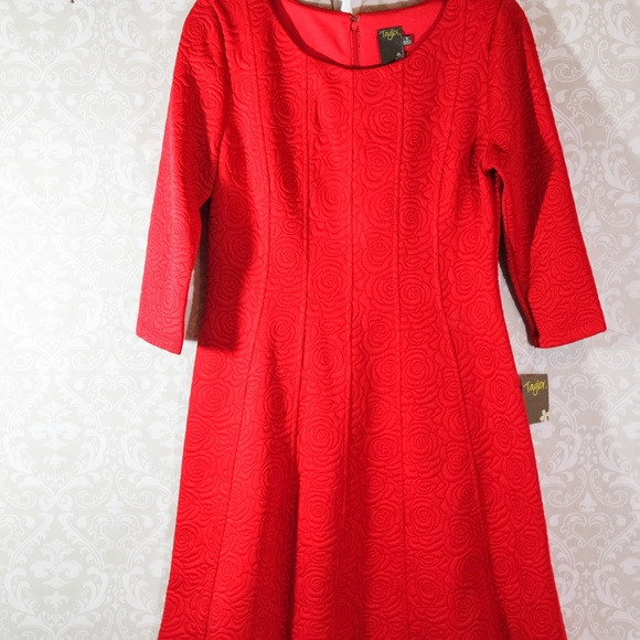 Taylor Dresses & Skirts - NWT Taylor Red Jackard Rose Fit Flare Dress Size 8